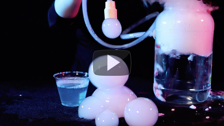 Boo Bubbles – Dry Ice Smoke Bubbles