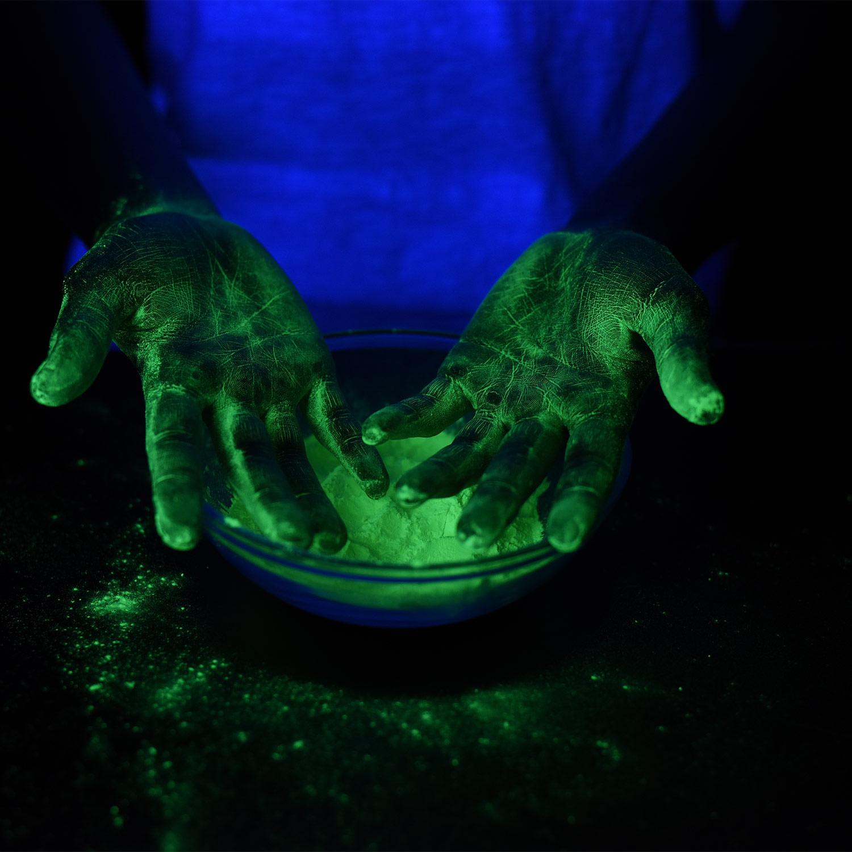 Glow Powder with Mini Black Light